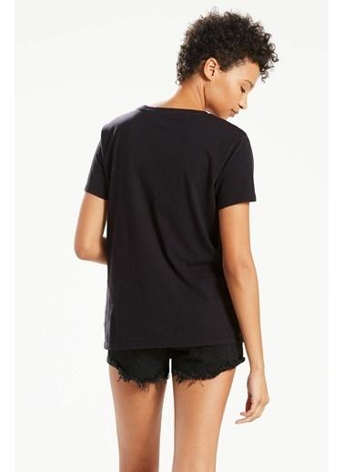 Levi's® 173690466 Bisiklet Yaka Kadın Tshirt Siyah